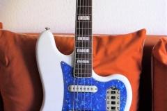 Jaguar_blue-pearl-2